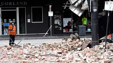 Maanjäristys vaurioitti rakennuksia Melbournessa.