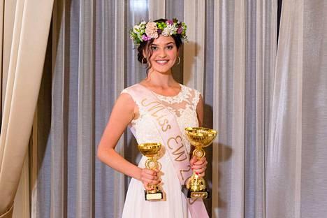 Tiia Aalto on uusi Miss EW 2019, Suomen luonnollisesti kaunein missi.