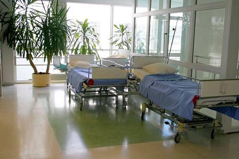 Satakunnan sairaanhoitopiiri kirjasi viime vuonna 168 tapaturmaa, joista 48 tapahtui työmatkalla. Henkilökunnan sairauspäiviä pyritään määrätietoisesti vähentämään työturvallisuutta lisäämällä.