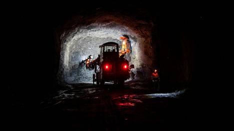 Päätoimialoista suurinta kasvua helmikuuhun nähden oli kaivostoiminnassa ja louhinnassa. Kaivosteollisuusyritys Sandvik on Tampereen suurimpia yhteisöveron maksajia. Kuva on otettu marraskuussa 2020 Sandvikin koetunnelista.
