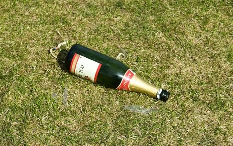Alkoholilla oli osuutta väkivaltaisiksi yltyneissä vappuaaton riidoissa. Arkistokuva.