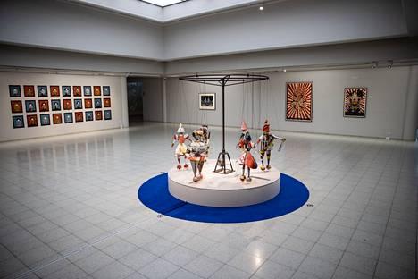 Marcel Dzaman työt ovat esillä Sara Hildénin taidemuseossa tammikuun loppupuolelle asti.