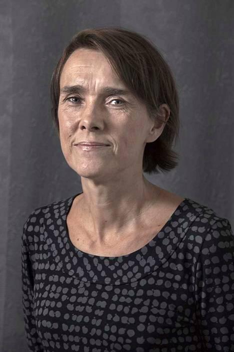 Pakolaisneuvonnan johtava lakimies Marjaana Laine kyseenalaistaa turvapaikkamenettelyn toimivuuden.