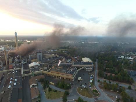 Boliden Harjavalta Oy:n kuparisulatossa torstain ja perjantain välisenä yönä raivonnut tulipalo oli huomattavasti keskiviikkoista paloa laajempi.