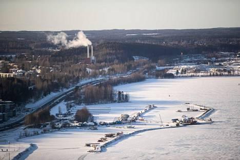 Vesistötäyttöä suunnitellaan Hiedanrannan edustalle Tampereen Näsijärveen.