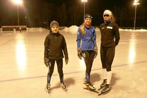 HTU:ta edustavat Alvari, Hertta ja Sanni Rosendahl menestyivät viime viikonloppuna järjestetyissä pikaluistelukisoissa.