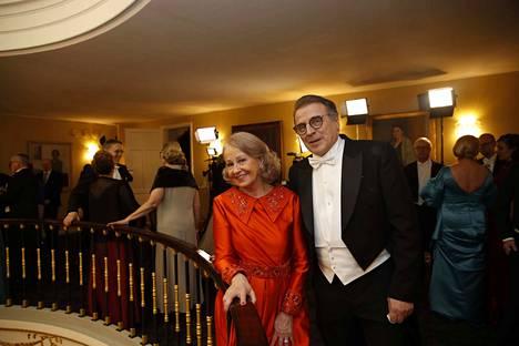 Jari Koskela vietti ensimmäistä kertaa itsenäisyyspäivää Presidentinlinnassa vaimonsa Päivi Koskelan kanssa.