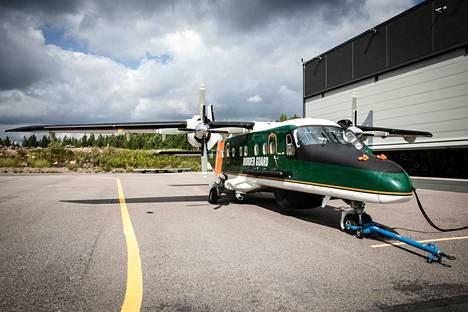 Dornier 228 on kaksimoottorinen turbiinikone.