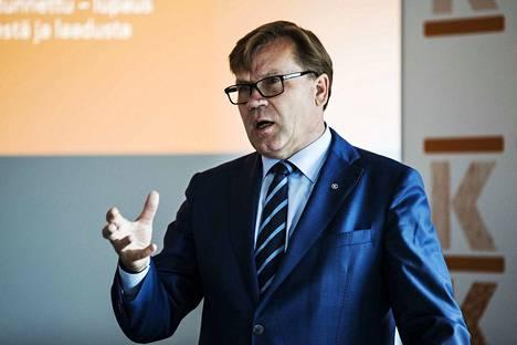Keskon pääjohtaja Mikko Helander nostaa vastuullisuuden tärkeään rooliin kauppaketjujen menestymisessä.