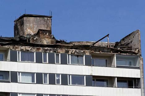 Keskuskartanon ylimmät kerrokset kärsivät tulipalossa eniten.