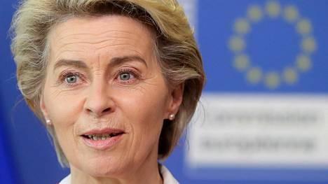 EU-komission puheenjohtaja Ursula von der Leyen on huolissaan Unkarissa hyväksytystä laista. Von der Leyen kuvattuna Brysselissä 15. kesäkuuta.