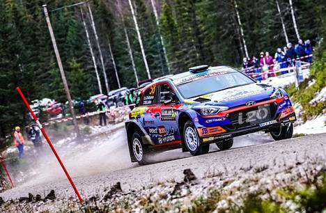Jari Huttunen tykitti WRC3-luokan voittoon.