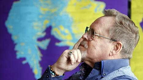 """Pertti """"Nipa"""" Neumann on liikkunut viime aikoina tiheään Satakunnan suunnalla. Hän esiintyi Rakastajat-teatterin Pori-rock-konserteissa ja kertoi keskiviikkona Raumalla ensi kesän Dingo-musikaalista. Perjantaina Neumann tulee livekeikalle Poriin."""