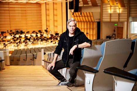 Tampere-talon Iso sali on Hannu Linnulle tuttu paikka. Hän työskenteli Tampere Filharmonian ylikapellimestarina vuosina 2009–2013.