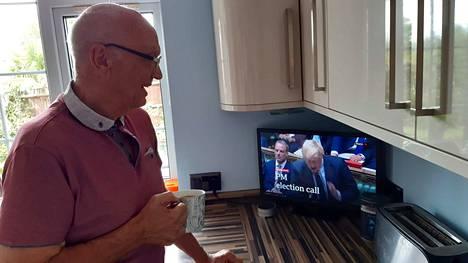 Brightonilainen Terry Brown äänesti brexitin puolesta ja kannattaa sitä yhä, muttei ole vakuuttunut tämän hetken tavasta tehdä politiikkaa. Pääministerin kyselytunnin on määrä alkaa iltapäivä kahdelta Suomen aikaa ja siitä odotetaan kaikkien aikojen kiivainta.