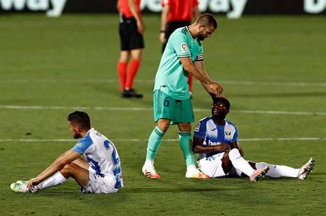 Ääripäät –vihreäpaitainen Real Madrid juhli mestaruutta, sinivalkoinen Leganes putosi sarjatasoa alemmas, ja kauden päätöspelin jälkeen lohdutus oli paikallaan.