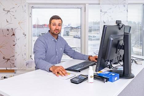 Toimitusjohtaja Ilkka Mattila sanoo yrityksen arvojen olevan niin konkreettiset, että ne näkyvät päivittäisessä työssä ja asiakaspalvelussa.