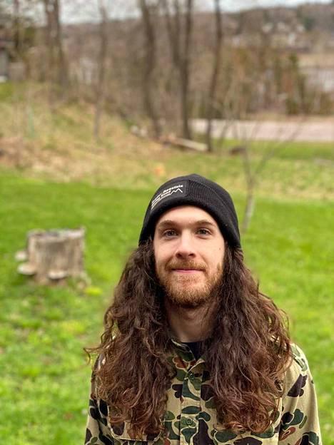 Michiganissa asuva Jacob Oliver lomautettiin työstään puolitoista kuukautta sitten, mutta hän tulee hyvin toimeen pandemian aikaisella työttömyyskorvauksella.