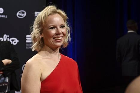Alma Pöysti on ehdolla parhaasta naispääosasta elokuvasta Tove. Draama keräsi eniten Jussi-ehdokkuuksia ja kisaa muun muassa parhaasta elokuvasta ja ohjauksesta.