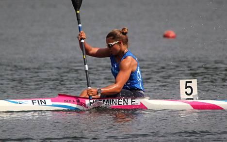 Kangasalan Melojien Emma Nieminen sijoittui Lahdessa naisten kajakkiyksiköiden 200:n, 500:n sekä 1000 metrin finaaleissa hienosti hopealle.