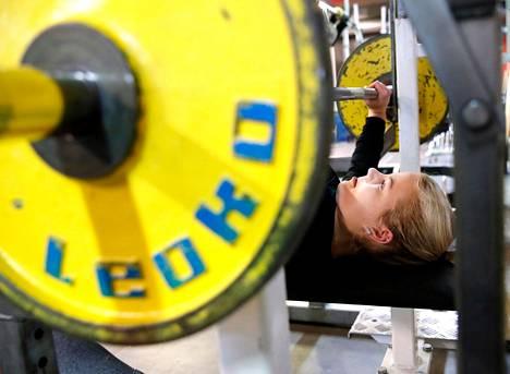 Fanny Lamminen on yksi Porin Voimailijat -81:n urheilijoista lauantain suorassa lähetyksessä.