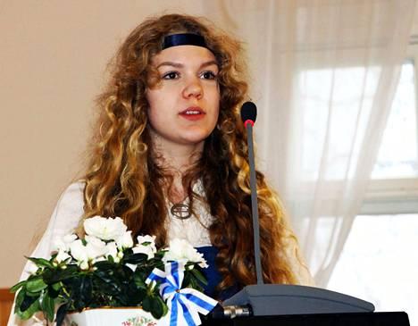 Sara Nurminen kunnioittaa menneitä sukupolvia, jotka ovat mahdollistaneet meille nykyisenlaisen elämän.