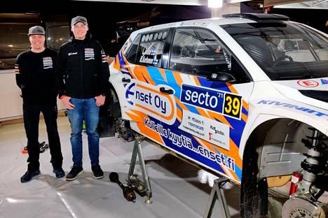 Sunnuntaina toisen suomenmestaruutensa kaksivetoisten SM3-luokassa saavuttaneen Lauri Joonan mestaruusjuhlat jäivät lyhyeen. Tuore mestari suuntasi kartturinsa Mikael Korhosen kanssa lähes suoraan palkintoseremonioista kohti Keski-Suomea.