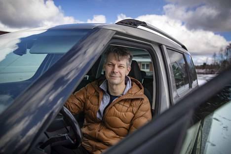 Janne Mörönen auttaa nyt työkseen satakuntalaisyrityksiä karsimaan toiminnoistaan pois turhia työvaiheita sekä kehittämään työtavoista tehokkaampia.