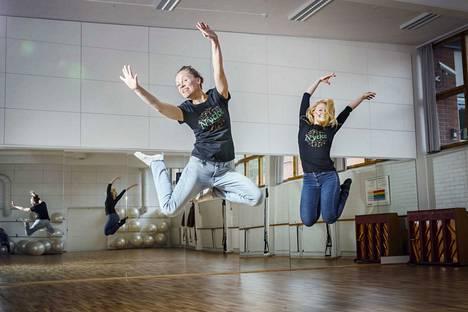 Laura Kuukkanen ja Venla Manninen tanssivat yhä itsekin.