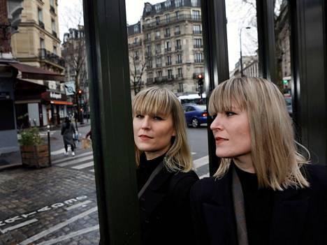 Suomalainen kuvataiteilija Henni Alftan ponnahti Pariisin kautta New Yorkin taidemaailmaan.