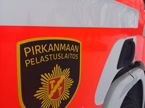 Pirkanmaan pelastuslaitos sai hälytyksen liikennevälinepalosta Porintielle maanantaina alkuillasta.