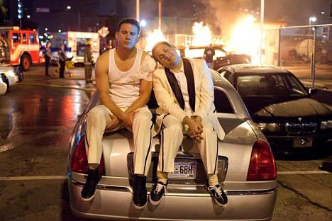 Channing Tatumin ja Jonah Hillin kemia toimii 21 Jump Street -toimintakomediassa.