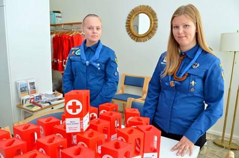 Partiolaiset olivat vuonna 2015 mukana Nälkäpäivä-keräyksessä Raumalla isolla joukolla. Nelli Pentikäinen ja Sanna Kivimäki Karimo-lippukunnasta osallistuivat sekä avustustavaroiden lajittelutalkoisiin että lipaskeräykseen.