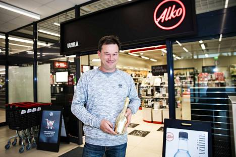 Kuohuviiniostoksilla käynyt Janne Skyttä arvelee, että alkoholikulttuurissa on eroja paitsi maakunnittain, myös maakuntien sisällä. Kaupunkikeskuksissa suositaan viinejä ja haja-asutusalueilla elävät kirkkaiden juomien perinteet.