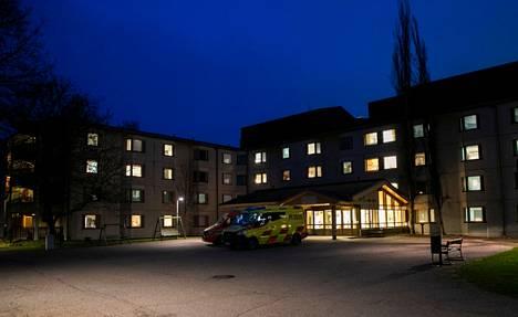 Tampereen Rauhaniemen sairaalassa on kuollut kaksi koronatartunnan saanutta henkilöä.