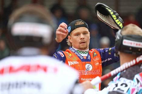 Lukkari Joona Lehtinen pelasi ihan hyvän ottelun Mansea vastaan, mutta tuloksena oli silti niukka tappio.