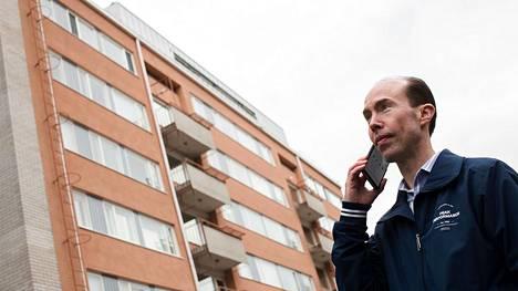 Porin Isännöintipalveluiden isännöitsijä Mikko Pyy on saanut korona-aikana tavanomaista enemmän yhteydenottoja taloyhtiöiltä.