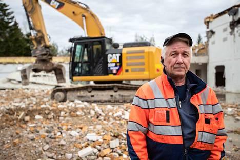 Jarmo Hämäläinen toteaa, että keskittyminen ja kokemuksen tuoma ammattitaito ovat purkuhommissa edellytys hyvälle työlle.