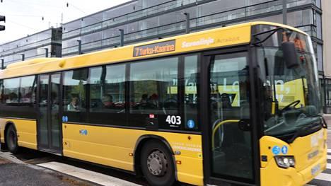 Föli suosittelee silti edelleen kasvomaskin käyttöä pysäkeillä, busseissa ja vesibusseissa.