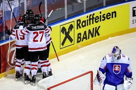 Kanada käänsi värikkään iltaottelun voitokseen viimeisellä sekunnilla.