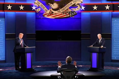 Yhdysvaltain presidenttiehdokkaat Donald Trump (kuvassa vas.) ja Joe Biden kohtasivat ensimmäisessä vaaliväittelyssään 29. syyskuuta. Vaalipäivä on 3. marraskuuta.