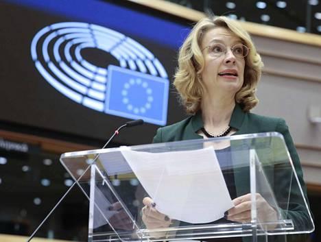 Eurooppaministeri Tytti Tuppurainen (sd) on pääministerin delegaation mukana Brysselissä. Tuppurainen on vastannut muun muassa budjettineuvottelujen edistämisestä.