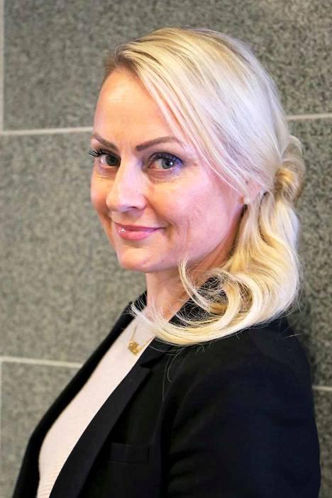 Nina-Mari Turpela valittiin Nakkilan uudeksi kunnanjohtajaksi.