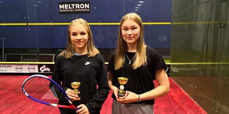 Roosa Joutsi ja Jemina Stengård olivat Squash Nallejen suurimmat onnistujat Talissa.