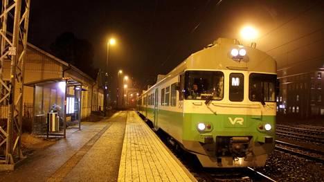 Paikallisjunavuoroja eli M-junia on tarkoitus lisätä vuoden päästä elokuussa.