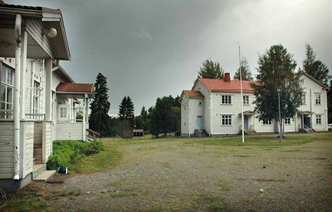 Haukilan koulun tila on oikeusvaikutteisen rantojen osayleiskaavan mukaan julkisten palveluiden ja hallinnon aluetta. Haukilan koulu lakkautettiin vuoden 2017 alussa.