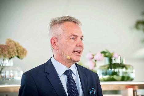 Ulkoministeri Pekka Haaviston mukaan hänen lausuntonsa ei viitannut pakotteiden lieventämiseen.