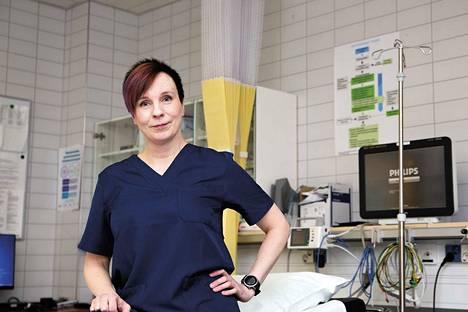 Kanta-Hämeen sairaanhoitopiirin johtajaylilääkäri Sally Järvelä, että lisääntyneellä maskien käytöllä on ollut vaikutusta siihen, että tilanne ei näytä nyt kehittyvän pahempaan suuntaan.