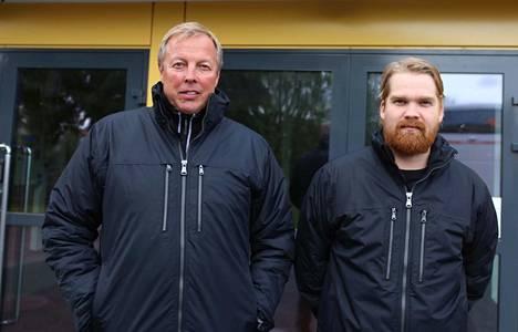 Pyryn valmennustiimin Janne Ojanen ja päävalmentaja Niko Raiskio valmistautuvat lauantaina alkavaan ylempään jatkosarjaan.
