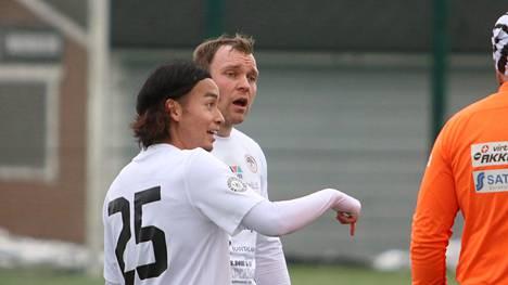 Naoki Maeda epäonnistui pilkulta Jippoa vastaan. Samu-Petteri Mäkelä sai myös uurastaa avauskokoonpanossa.